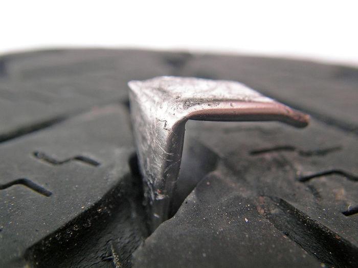 Autoreifen Close-up Day Indoors  Needle No People Platten Platter Reifen Pneu Tire