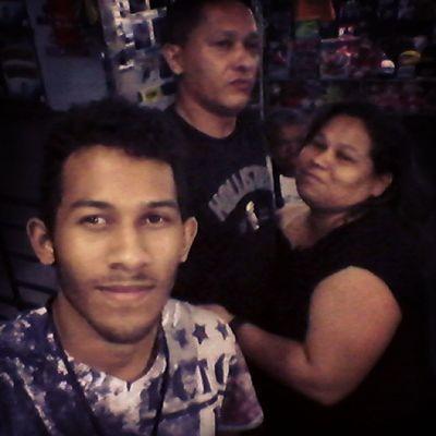Feliz Selfie Boanoite Família pai e mae amo muito eles
