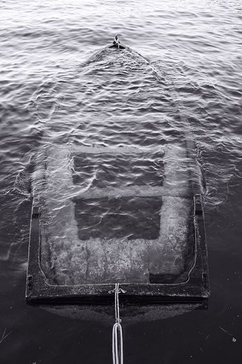 Design Water Day Nautical Vessel No People Boat Sunken Boat Sunken Ship Wasser Boot Untergegange Monochrome Photography Monochrome Blackandwhite The Secret Spaces High Angle View Sea Transportation Floating On Water Outdoors Floating