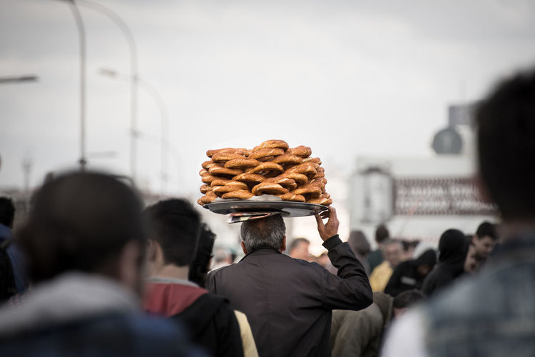 Balance Balancing Busy City Crowd Food From My Point Of View Outdoors People Selling Simit Street Food Street Seller Street Vendor Streetphotography Sımıt Turkish Urban