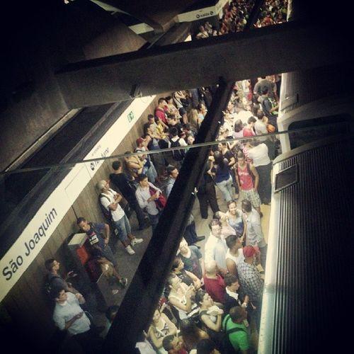 Estação São joaquim. Viatrolebus Metro Serpaulistano Parado Linha1