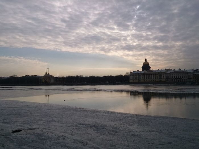 Sunrise at Neva River and Saint Isaac's Cathedral. Mobile Photography Mobilephotography Sony Xperia Zr Silhouette Tourist Attraction  City View  City Cityscapes Cityscape Urban Landscape Historical Monuments Quiet Moments Quiet Places Reflection Architecture Embankment River Sightseeing No Edit No Filter No Edit/no Filter Landscapes With WhiteWall