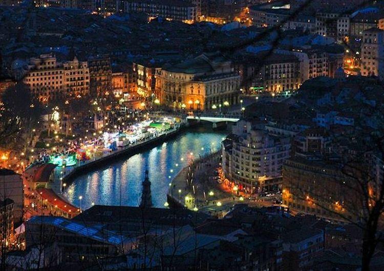 El Arenal de Bilbao disfrutando de los Carnavales con las atracciones Bilbao Ilovebilbao Bilbaoclick Total_hdr Total_night Total_splash Euskadi Euskogram Euskorincones Euskadigrafias Euskadibasquecountry Loves_euskadi Total_euskadi Turismo_euskadi Instantes_fotograficos Landscape View Webstagram Tagsforlikes Photooftheday Picoftheday All_shots Like4like Instagood Estaes_paisvasco bnwsplash_paisvasco be_one_night real_globo amazing_picturez