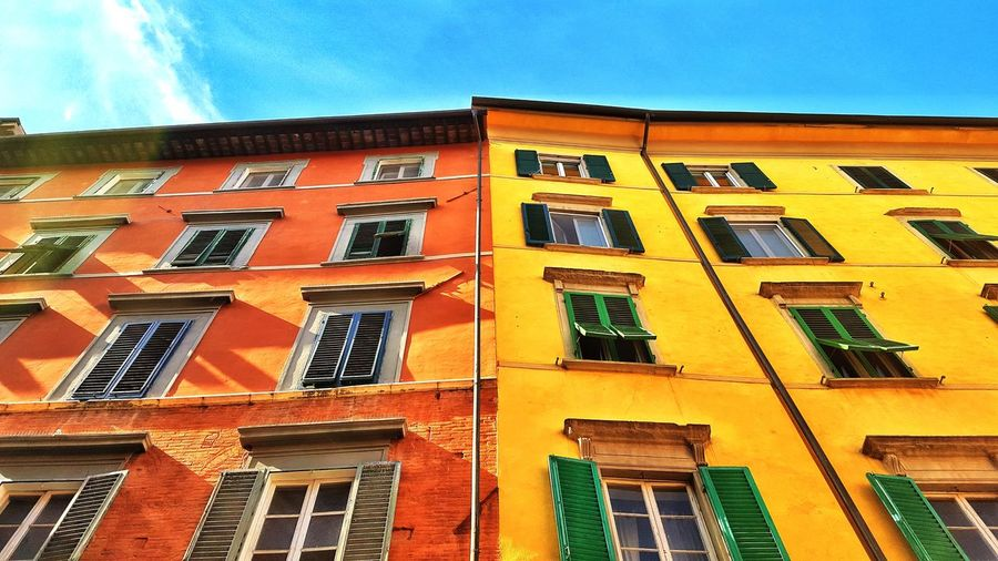 Colors Www.alexander-schitschka.de Colors Architektur Architecture City Urban Houses Italy Travel Reise Europe Pisa Sonne Sun Stadt Windows The Week On EyeEm Fenster