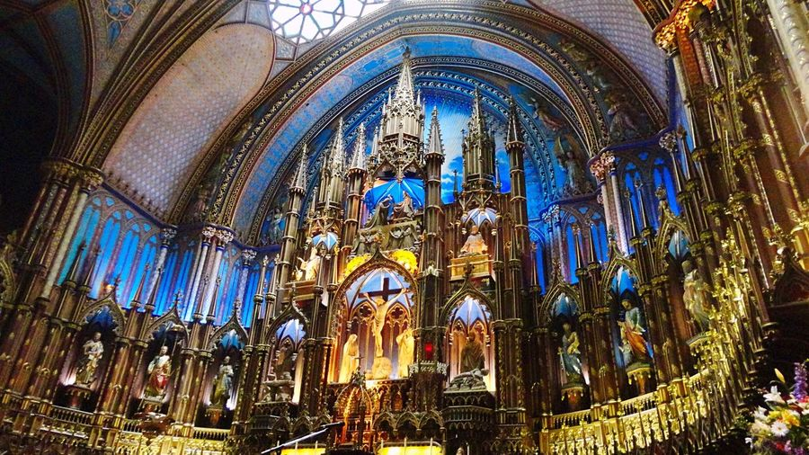 Notre Dame Basilica Montreal 💙 Montréal Quebec Canada Church Basilique Notre Dame Notre-Dame Notre Dame Basilica Montreal, Canada Montrealcity Canada Photos Beautiful Place Of Worship Church Architecture EyeEm Gallery Blue Light Amazing Architecture Quebec, Canada Travel Photography Gorgeous Enjoying Life Stained Glass モントリオール カナダ 教会