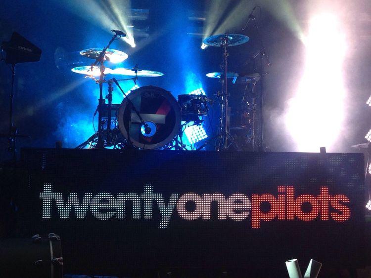 Twenty One Pilots Tyler Joseph Josh Dun Quietisviolenttour