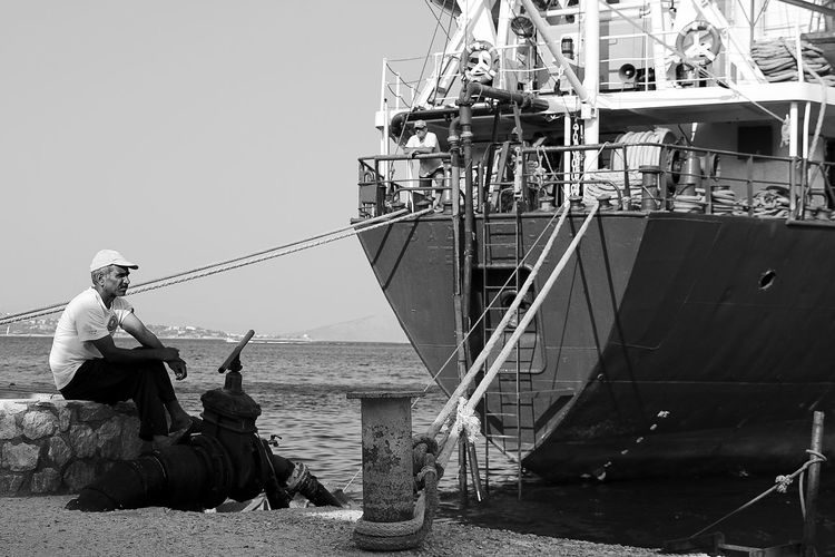Blac&white  Black & White Black And White Black And White Collection  Black And White Photography Black And White Portrait Black&white Blackandwhite Blackandwhite Photography Blackandwhitephotography Blackwhite Blanco & Negro  Blanco Y Negro Blancoynegro Fisherman Fishermen Noir Noir Et Blanc Noiretblanc People People And Places People Of The Oceans People Photography Peoplephotography Sea
