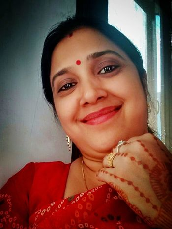 Women Around The World India Culture And Tradition Looking At Camera Only Women Portrait Smiling Human Face Jewelry Women Beautiful Woman Indian Woman Woman Indian Ethnicity Indian Culture Indian Red Red Color Red Clothes Woman In Red Series Woman In Red Dress Smile Smiley Face