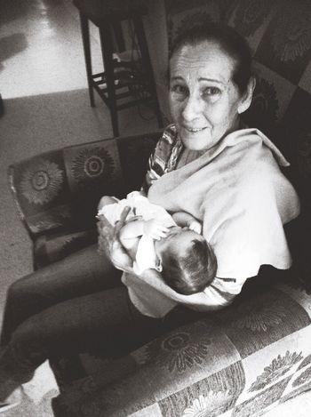 Old But Awesome Grandma Granny Babygirl Baby Love Faces Of EyeEm Beautifulwoman Elderly Cute Portrait Eye4black&white  Taking Photos Beautiful Smile Women Of EyeEm