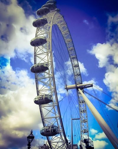 Cloud - Sky Sky Low Angle View Ferris Wheel Arts Culture And Entertainment Amusement Park Blue London Eye Ferris Wheel LONDON❤ LondonEye Eye Of London Londonisbeautiful EyeEm Best Shots EyeEmBestPics EyeEm Gallery Beautiful Beautiful View Big Wheel Travel Destinations GiantWheel Londoneyeview LondonEyeRiverCruise Eyeoflondon Closeup Photography