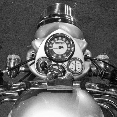 Beast within. Bullet 350  Classic Silver  Superman Heavy Beast Instagram Mumbaigram Indiagram Black &white B &w B /w Picoftheday Marinedrive Mumbai India
