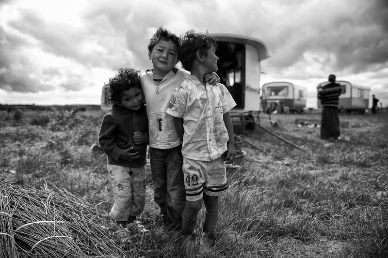 La Piéta des Roms II Documentary Documentary Photography Everydayeverywhere Normandy Caravan Homeless Stillphotographer Nikonphotographer Nikond4s Blackandwhite