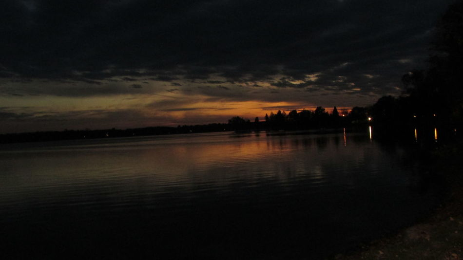 Evening On The Lake Amazing Sunset Very Cool Capture Beautiful View Eerilybeautiful Water ReflectionsLate Evening Sunset Lake Cadillac Pure Michigan