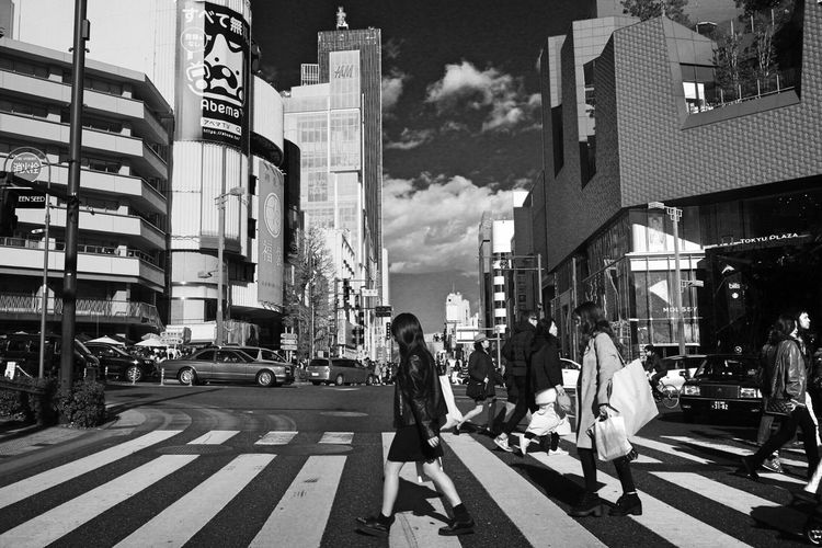 Japan Hello World Enjoying Life Taking Photos Relaxing From My Point Of View EyeEm Best Shots EyeEm Gallery Walking Around Streetphotography People Photography City Building Exterior City Life Outdoors Real People Monochrome Blackandwhite Cloud - Sky Harajuku Beautiful Love