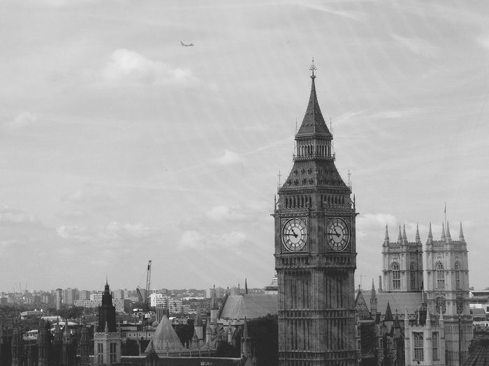 Great Time  Check This Out Taking Photos Enjoying Life Hello World Memories Trip England Atmosphere Sights Perspective Detailphotography Big Ben London London Eye View Airplain Clock Tower
