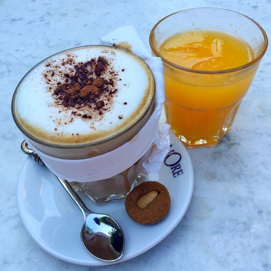 Ahhh.. I'm a coffee addict!😜🤘🏻☕️ Addiction Coffee Coffee Time Addicted Coffee Addict Latte Enjoying Life Orange Random Coffee Fix Happiness IPhoneography Iphoneonly