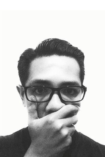 Blackandwhite Monochrome_Monday Monochrome Taking Photos Showmeyourface Blackandwhite Photography Its Me Self Portrait Classichairstyle