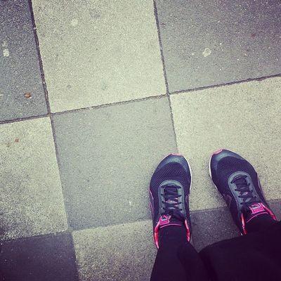 Ich mag ja meine Sneakers . Street Credibilty und so \o/ Footie