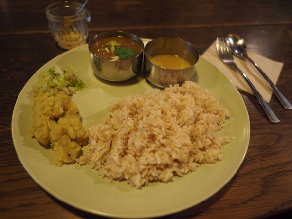 Kyoto Japan Shijyo Omiya Ratna Cafe Cafe Curry Chicken Delicious Lunch Olympus PEN-F 京都 日本 四条大宮 ラトナカフェ カレー チキンカレー 美味 古民家 昼ごはん 玄米
