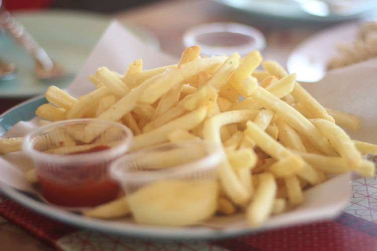 Close-up Deep Fried  Fast Food Fast Food French Fries Food Food And Drink French Fries Freshness Fried Indoors  Indulgence No People Plate Potato Prepared Potato Ready-to-eat Selective Focus Serving Size Snack Still Life Take Out Food Temptation Unhealthy Eating