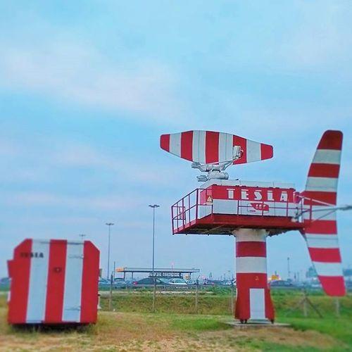 Airplane Radar Redandwhite Museum Tesla