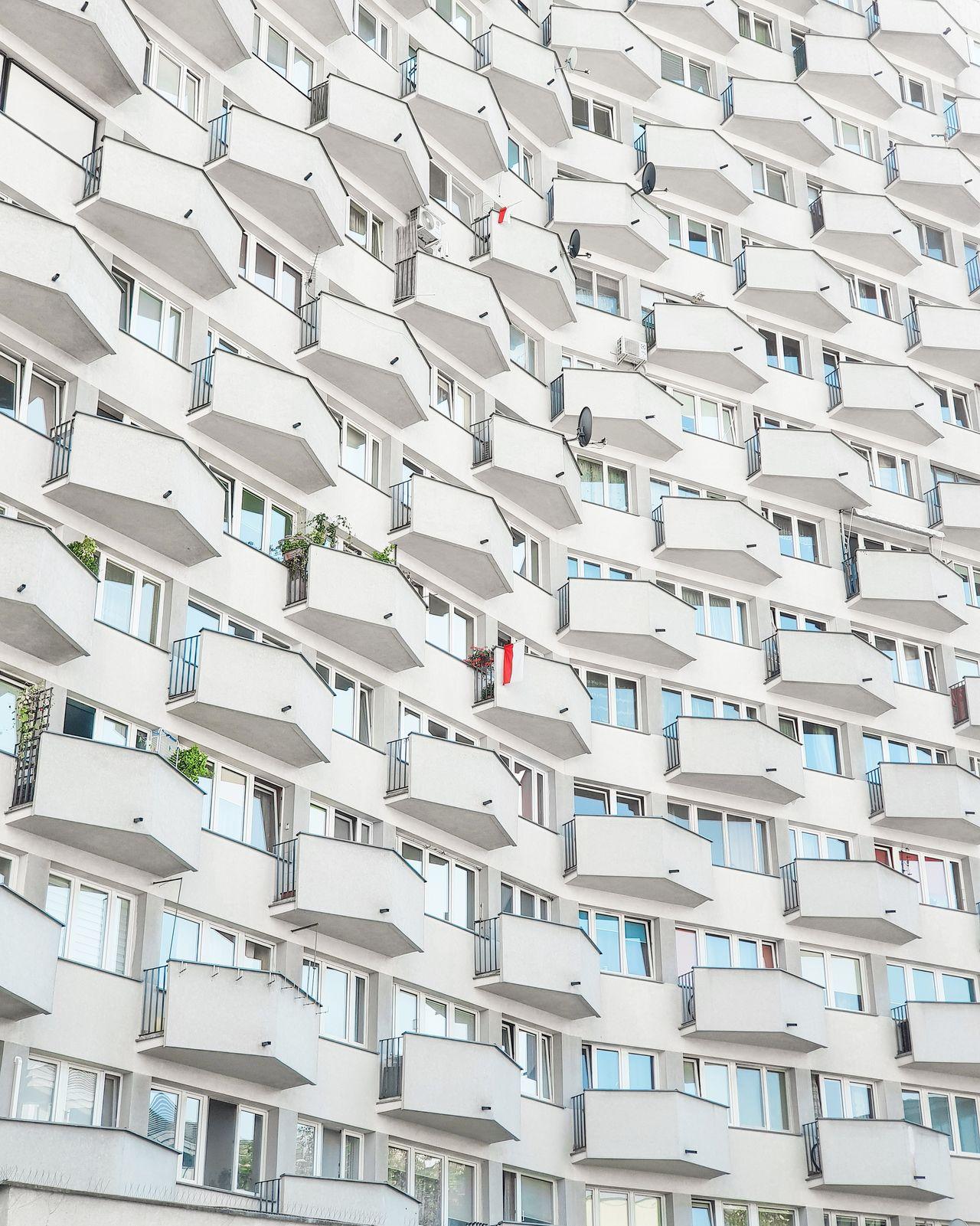 architecture, built structure, building exterior, building, low angle view