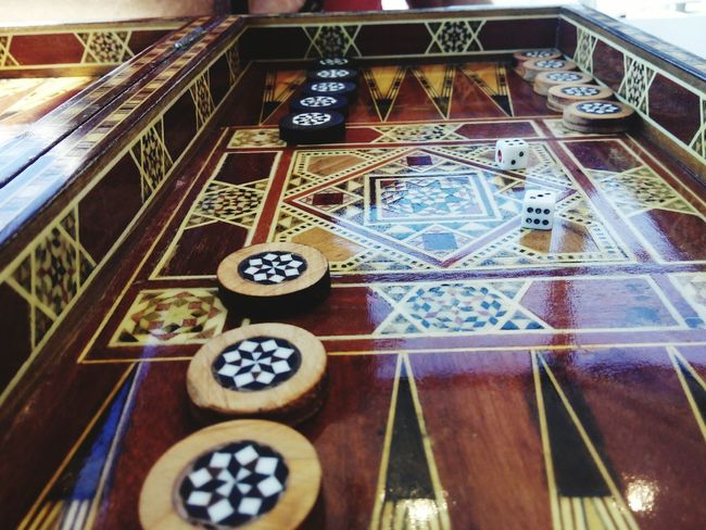 Backgammon High Angle View Close-up Gambling Chip Cards Luck Non-western Script Chance Signboard Dreamcatcher Information Game Of Chance Gambling Ace Casino Poker - Card Game Slot Machine Dice Leisure Games Fortune Telling