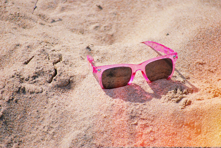 Seaside Still Life Light And Shadow Light Eyesight Eyeglasses  Beach Sand Summer Pink Color Protection Sunglasses Close-up Shore Sandy Beach My Best Photo Springtime Decadence The Minimalist - 2019 EyeEm Awards