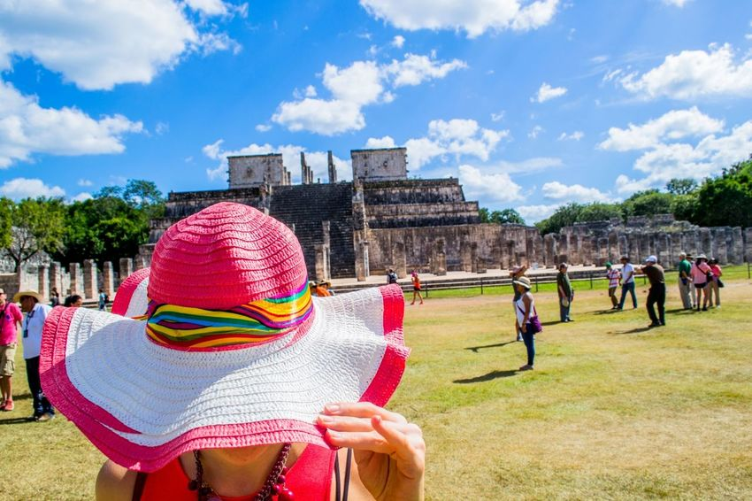 Mexican Vacation Attraction Chichen Itza Friendlylocalguides Girl Holidays Mexico National Landmark Pyramid Things To Do Vacation What To See In Mexico Where To Go Wonder Of The World