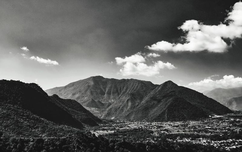 B&W Landscape Outdoors Scenics Hill Cloud - Sky Cloud Outside Mountain EyeEm Nature Lover Countryside Landscapes Mountains Mexico Landscape_photography Non-urban Scene Beauty In Nature Majestic Landscape Blackandwhite Monochrome Mountain Range Nature Tranquil Scene No People Tranquility Power In Nature