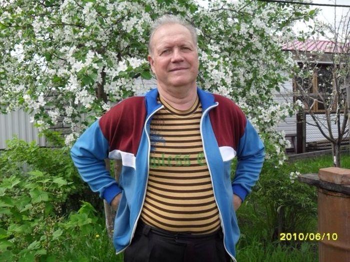 Наша Сибирь снова отличилась- сегодня 1 мая, а на дворе сильнейший снегопад!!!