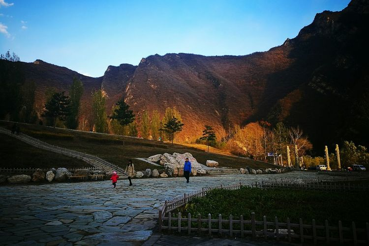 Sunset Mountain Sky Outdoors Nature Enjoying The View Colors Of Autumn Huawei P9. Quiet Moments Warm Day Freshness Autumn Street Photography Colorfull Mountain Range Nature Beauty In Nature Scenics Landscape Fresh on Market 2016 Light And Shadows Warm Glow Travel