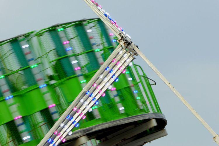 The vomit maker. Carnivalrides Spinner Nauseous Vomitmaker Lights