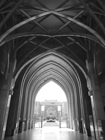 Architecture Built Structure Arch Ceiling Archway Corridor History Indoors  Architectural Feature EyeEm Photooftheday First Eyeem Photo Modern Monochrome Monochromatic Black&white Top Perspective Huawei p9 Huawei P9 Leica Leica Leica Dual CameraHuaweiphotography HuaweiP9plus Huaweip9monochrome Huawei Leica