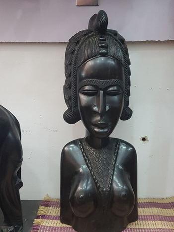 Female Camerun ArtWork En Bois Afrique Statue Sculpture Close-up