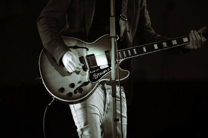 Music Live Music Gibson Guitar Instruments Concert Detail Close-up Blackandwhite Blackandwhite Photography EyeEm EyeEm Best Shots - Black + White Nikon Nikon D5100  Nightphotography Rock VertigineVersus
