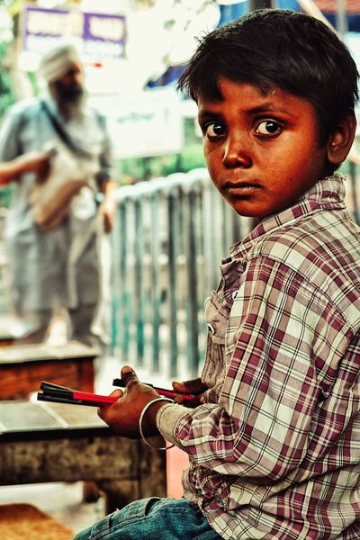 Art Close-up Portrait Earning For Living Poorchild The Portraitist - 2017 EyeEm Awards The Street Photographer - 2017 EyeEm Awards