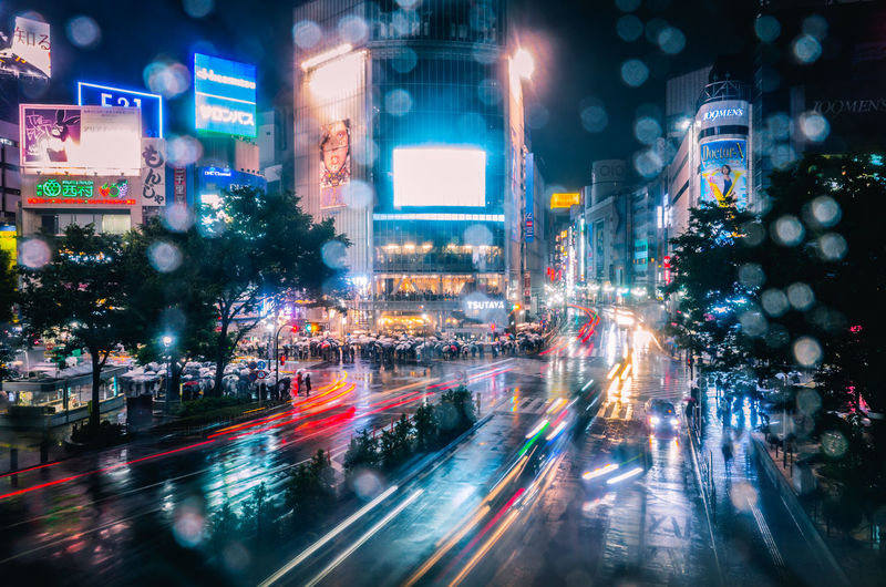 Shibuyascapes ◀️🚕🚙🚶🚶♀️☔️🌃🇯🇵 Showing Imperfection Dreamer's Vision Japan Lovers Capture The Moment Technology Blurred Motion Futuristic City Envision The Future Human Meets Technology Cityscape Illuminated Light Trail Long Exposure Motion Night Road Skyscraper Speed Traffic Transportation Travel Destinations Rain Rainy Day Mobility In Mega Cities HUAWEI Photo Award: After Dark
