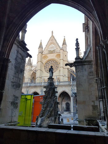 Catedral León - España Architecture Building Exterior Built Structure History Travel Destinations Arch Place Of Worship No People Day Sky Indoors