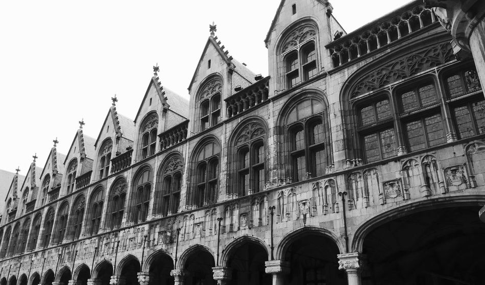 Bnw_friday_eyeemchallenge Old Building  Facade Building In A Row Architectural Heritage Old Architecture Façade Touristic Attraction Tourist Destination Historical Building Palace Of The Prince-Bishops Black And White EyeEm Best Shots - Black + White Monochrome Building Exterior Architecture Built Structure Low Angle View Building Travel Destinations City History Tourism Travel The Past Arch