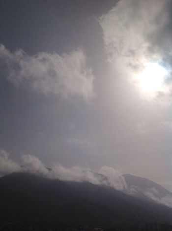 Sunlight Cloudscape Cloud - Sky Sky Beauty In Nature Day Nature Sunrise Sun Sunshine