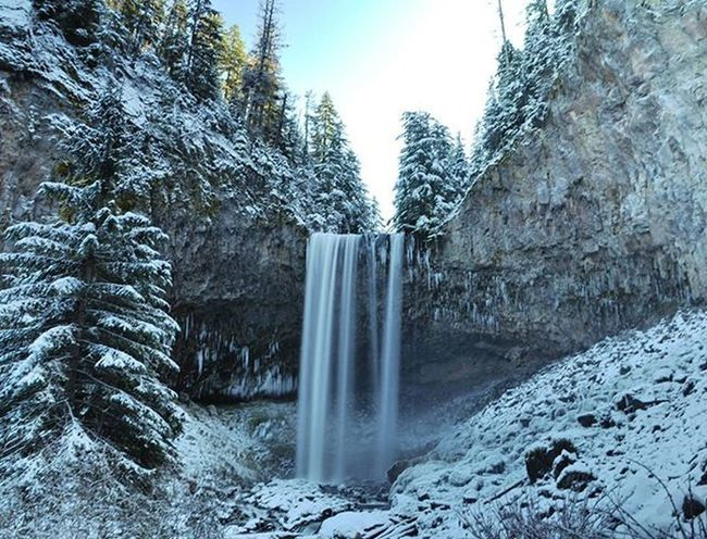 The amazing Tamanawas Falls, Mt. Hood Oregonnw Waterfall Tamanawasfalls MtHood Cascadiaexplored Pacificnorthwest Lifeofadventure PNWonderland PNW Thatpnwlife Wildernessculture Pnwcollective Thenwadventure Naturelovers Northwestisbest Upperleftusa Wilderness Oregonexplored Getoutside ExploreEverything Wanderlust Northwest Discoveroregon It's Cold Outside