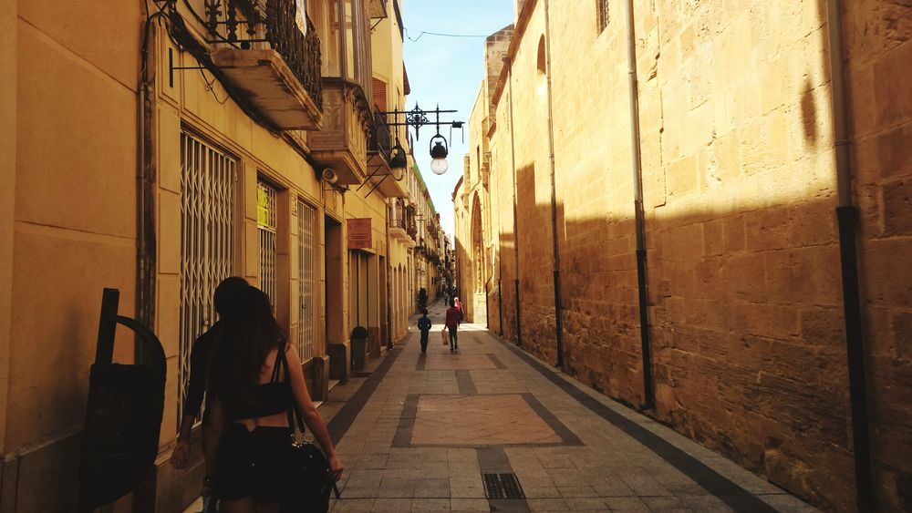 Alicante Alicante, Spain Street Streetphotography Streetphoto Streetview Old City Oldtown Spainphotographer Spainiswonderful Spain_vacations Spain🇪🇸 City City Street City View  CityWalk Spainish Architecture, Spain Spaın Spanish Arquitecture Spanish Style Spanishlife Spanish Town