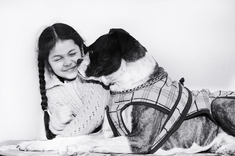 😍 InMakin! Togetherness Niece  Pet Child Friendship Smiling Bonding Happiness Perspective Nikon Boxer Dogs Pet Photography  Bnw Capture The Moment Resist Live For The Story Pet Portraits This Is Family