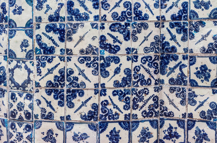 Tlavera tiles Pattern Backgrounds Full Frame No People Floral Pattern Blue Cold Temperature Indoors  Winter Snow Tile Flooring Textile Design Snowflake Textured  Wall - Building Feature Close-up Decoration Tiled Floor Embroidery Talavera