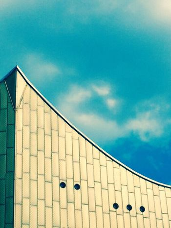 Curves Architecture Berlin Architecture Built Structure Sky Blue No People Building Exterior Low Angle View Cloud - Sky Day Outdoors Nature Iconic The Architect - 2017 EyeEm Awards