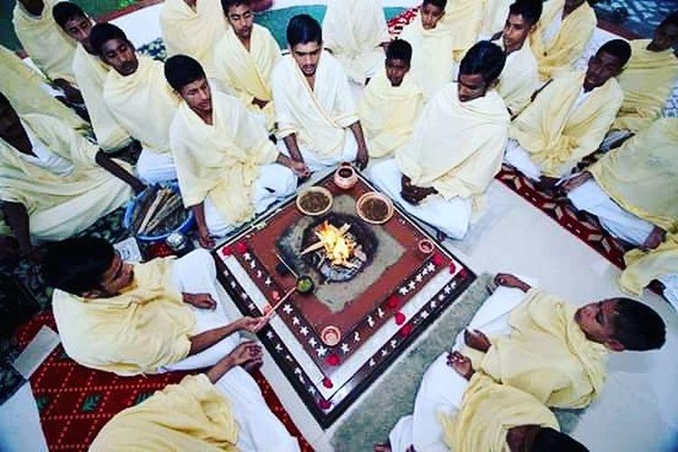 India Haryana Kurukshetra School Sanskrit Bhramin Hawan Yagyey