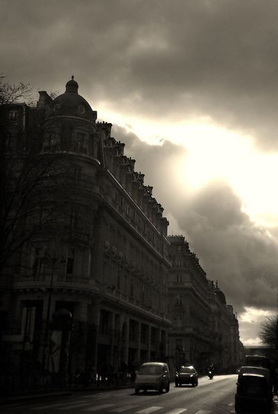 Streetphotography Sky And Clouds Stormy Weather Paris Je T'aime