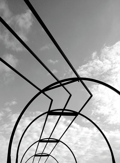 Walking Around Streetphoto_bw Skyporn Urban Geometry Abstract