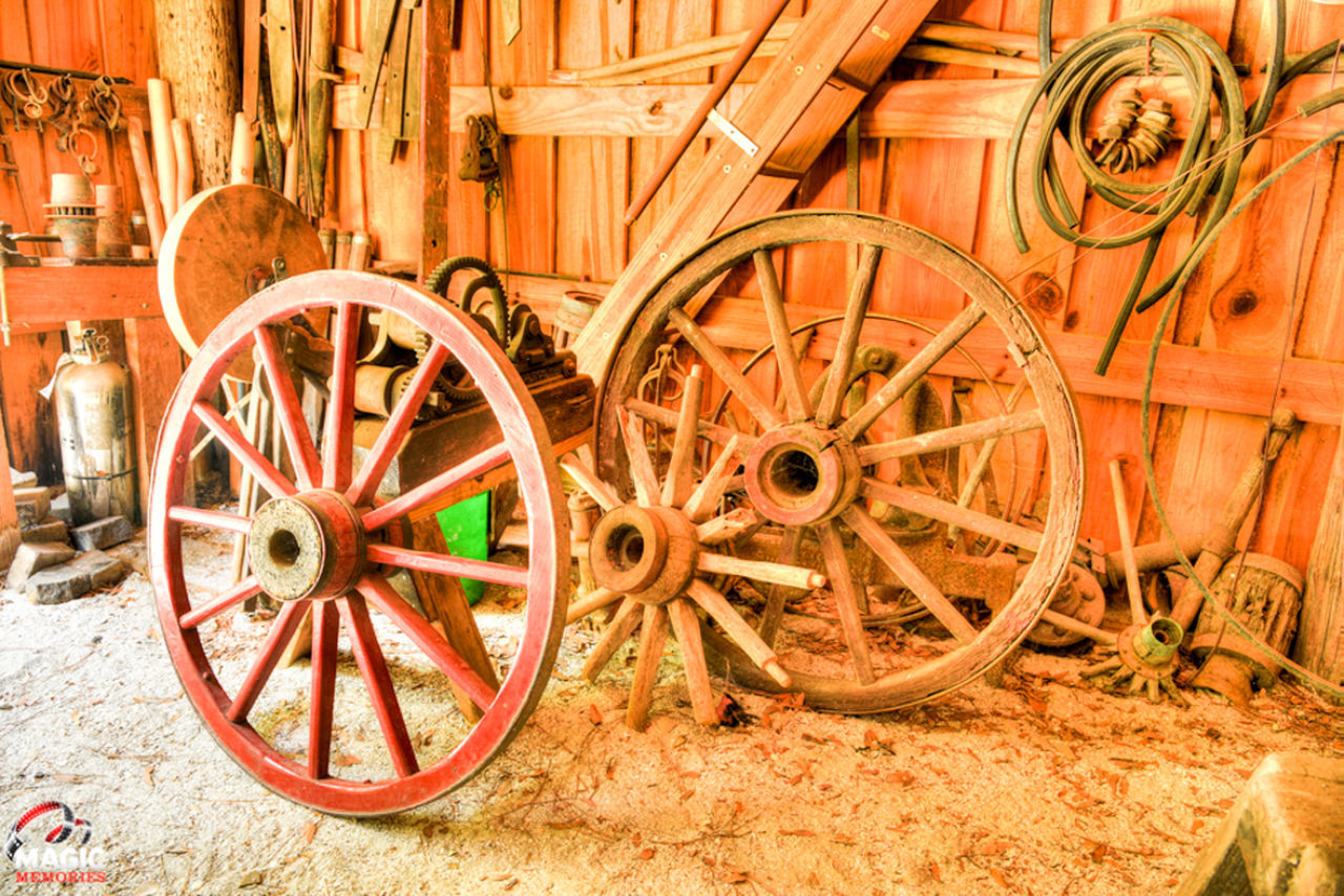wheel, wood - material, obsolete, old-fashioned, cultures, wagon wheel, no people, outdoors, day, close-up